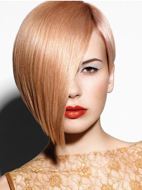 Great hair colour for autumn - an unusual peachy blonde with a slight pink tone?