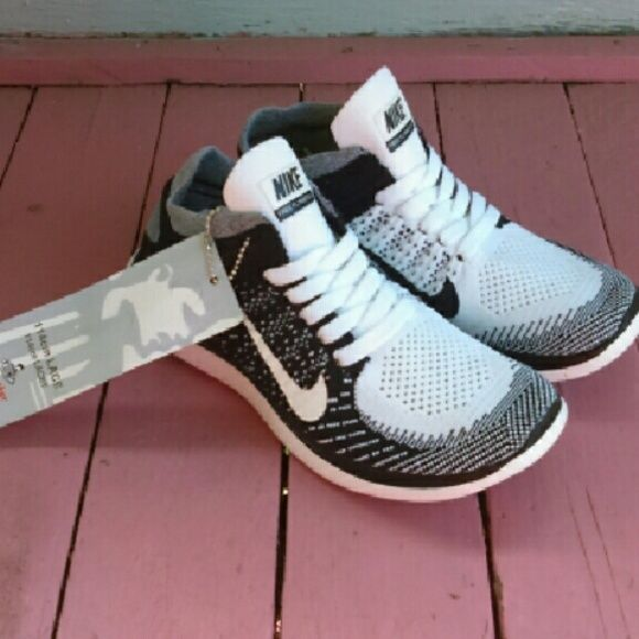 New Nike Free Flyknit 4 Oreo women US 8.5 New Nike Free Flyknit 4.0 in Oreo size women US 8.5.  Brand new, no box.  Nike shoes are from Europe's Footlocker Netherlands B.V.  Retails for $120 at stores and online. Nike  Shoes Sneakers