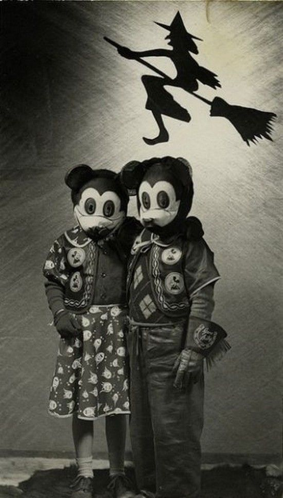 60 Deeply Terrifying Halloween Photos From The Early 1900s ...