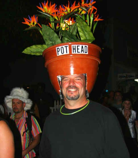 Pot head. Funny Halloween costumes..