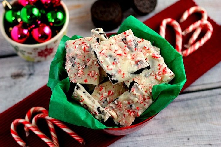 Fast, easy, and ready to snack on in no time, this White Chocolate Peppermint Oreo Bark will be the hit of the holiday season!