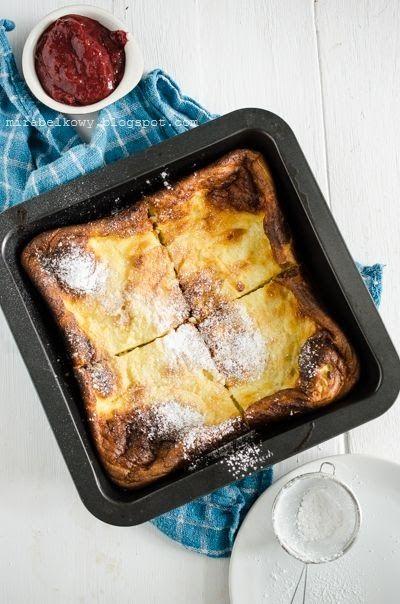 Finowie mają dość nietypowy sposób na swojego narodowego naleśnika: nie jest on smażony na patelni, ale pieczony w foremce w piekarniku. Na ...