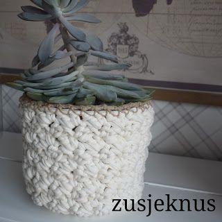 Crochet basket for flowerpot free pattern  Gehaakte mand voor bloempot. Gratis patroon   Gehaakt