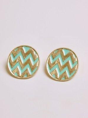 aqua + gold chevron earrings: Chevron Studs, Cute Earrings, Stud Earrings, Mint Chevron, Oversized Chevron, Studs Earrings, Chevron Earrings, Gold Chevron, Gold Earrings