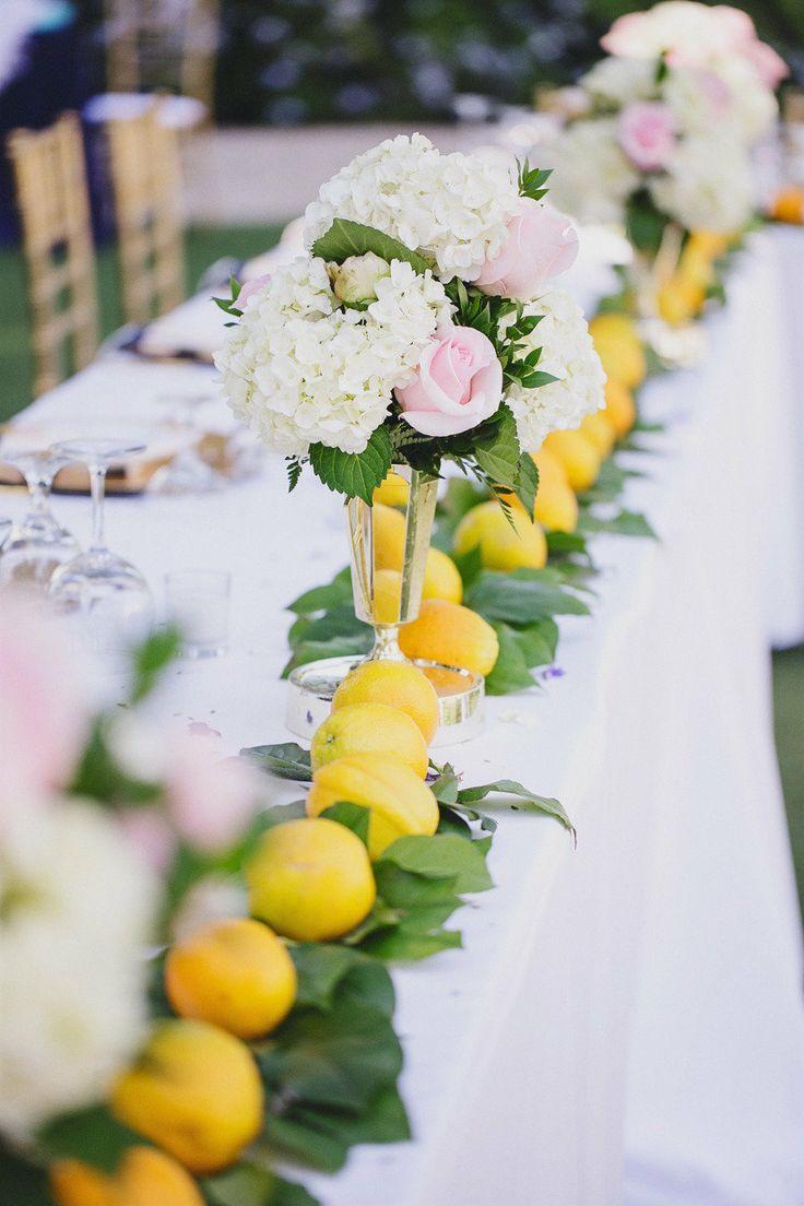 Well hello, yellow #lemon decor! #hydrandeas #headtable  Photography: www.jasmine-star.com