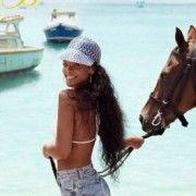 Rihanna mostra seu paraíso: Barbados | Panela Chic | Nina e Julia Carvalho