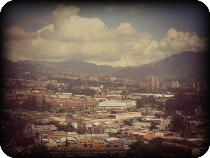"""Yo que nací altivo y libre sobre una sierra #antioqueña"" #Sabaneta #Medellin #Antioquia #Montañero #Paisa"