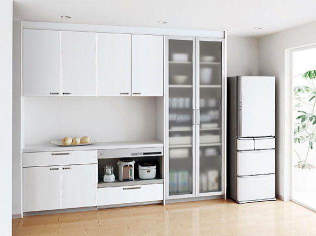 使いやすいキッチンレイアウトを完全解説 食器棚の配置や収納術も キッチンレイアウト 棚の配置 キッチンのレイアウト