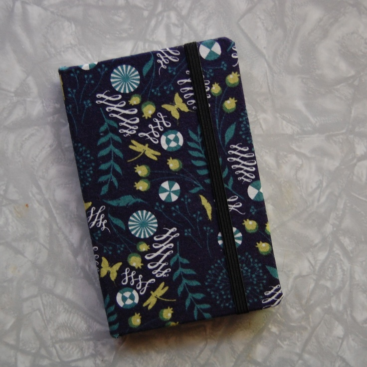 Fabric-covered notebook – as easy as 1-2-3! | The Craft Blog http://cdnl.vg/NzjDsR