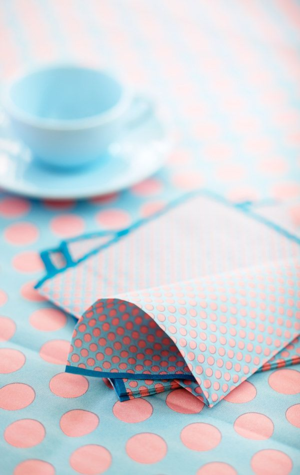 Perky dots in napkins and table coverings - springdesign from Duni