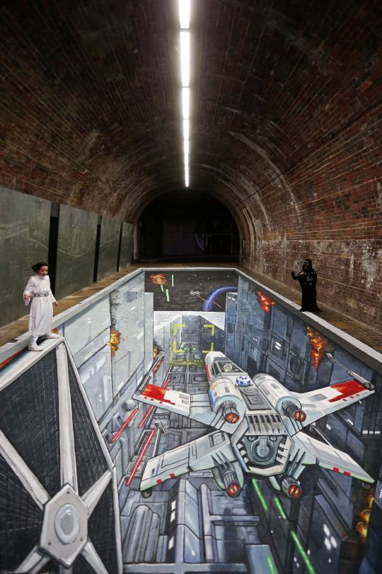 Awesome 3D Star Wars Art Installation Greets London Commuters - uk,news.yahoo
