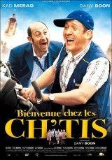"""CINE(EDU9-622. Bienvenidos al norte. Dir. Dany Boon. Francia, 2008. Comedia. Philippe é o encargado dunha oficina de correos no sur de Francia, pero Julie, a súa muller, padece episodios depresivos. Philippe fai trampas para que o trasladen á Rivera francesa. Envíano a unha cidade no norte de Francia chamada Bergues, un lugar supostamente inhóspito e no que falan cun dialecto chamado """"ch'tmi"""". Irá só ao seu destino. http://kmelot.biblioteca.udc.es/record=b1436962~S1*gag"""