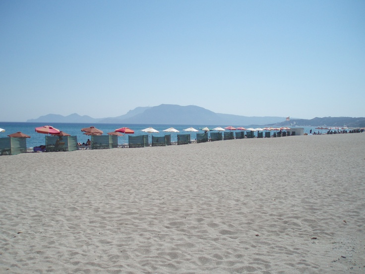Magic Beach is a family run taverna located on a beautiful sandy beach. It is a popular beach with locals due to the long, quiet sandy beach and traditional taverna. http://www.kosexplorer.com/place/magic-beach-kos