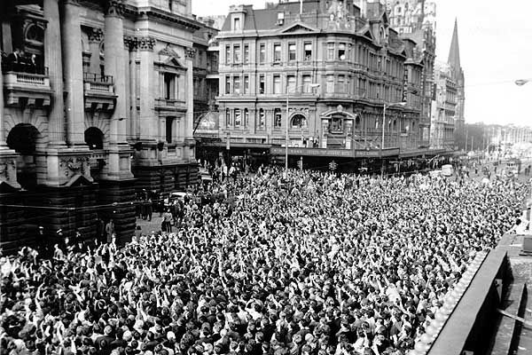Crowds waiting for a glimpse of The Beatles outside Melbourne Town Hall, June 1964