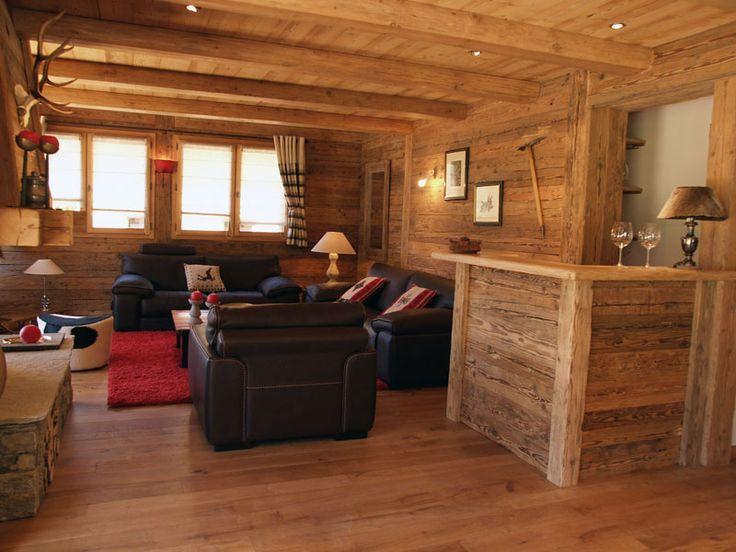 Interieur ancien du restaurant le negoce du vieux bois pour les professionels et les - Decoration bois interieur maison ...