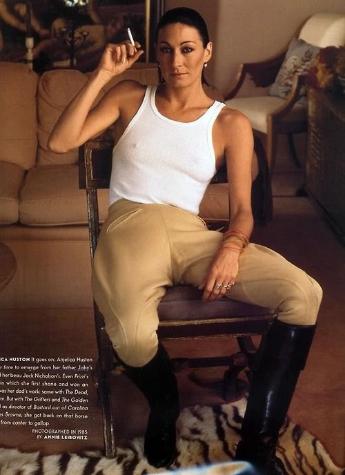 Anjelica Huston by Annie Leibovitz, 1985