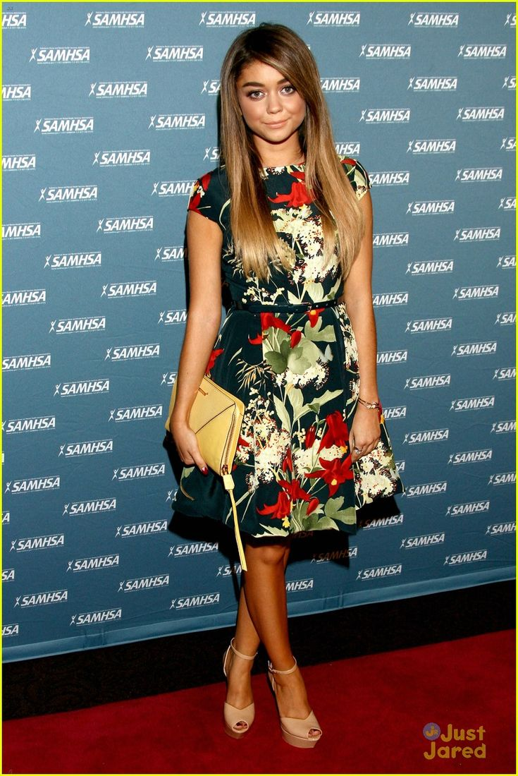 Sarah Hyland Shows Off New Long Hair at Voice Awards 2013