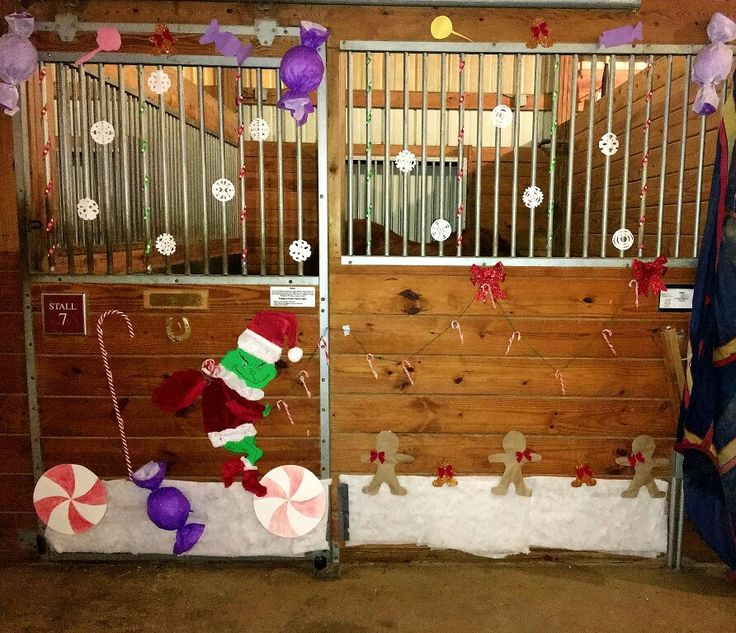 Christmas Horse Stall Decoration Deck The Stalls Horse