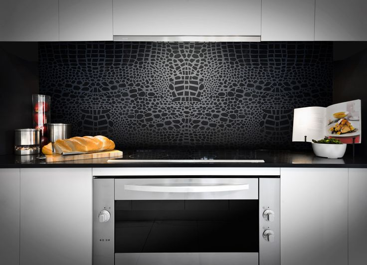 Think different -- create a striking look by matching your Caesarstone bench top with a Motivo splashback.
