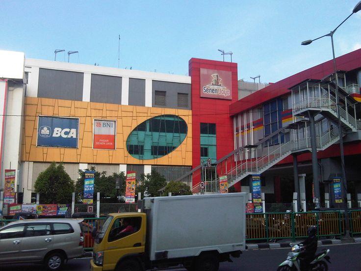 Pusat grosir senen Jaya  lantai 2 C.No.40 Jakarta Pusat 021-29939526  Menjual instrument ,soundsystem ,recording