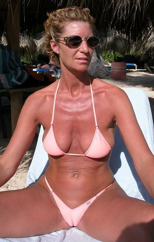 9 Best Bikini Milf Camel-Toe Images On Pinterest  Camel -1216