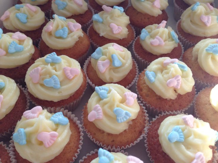 Boy or girl cupcakes for a babyshower
