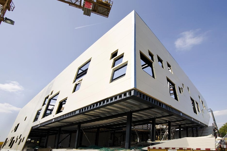 De huidige locatie van Schouwburg Amphion in aanbouw (2010)