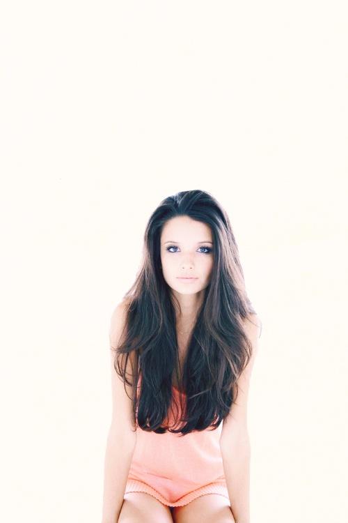 Alice Greczyn. Hair.