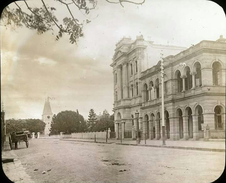 Parramatta Post Office on Church St, Parramatta.One can see St Johns Church in the background.