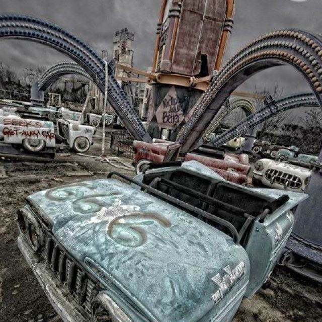 """Abandoned Six Flags in New Orleans 