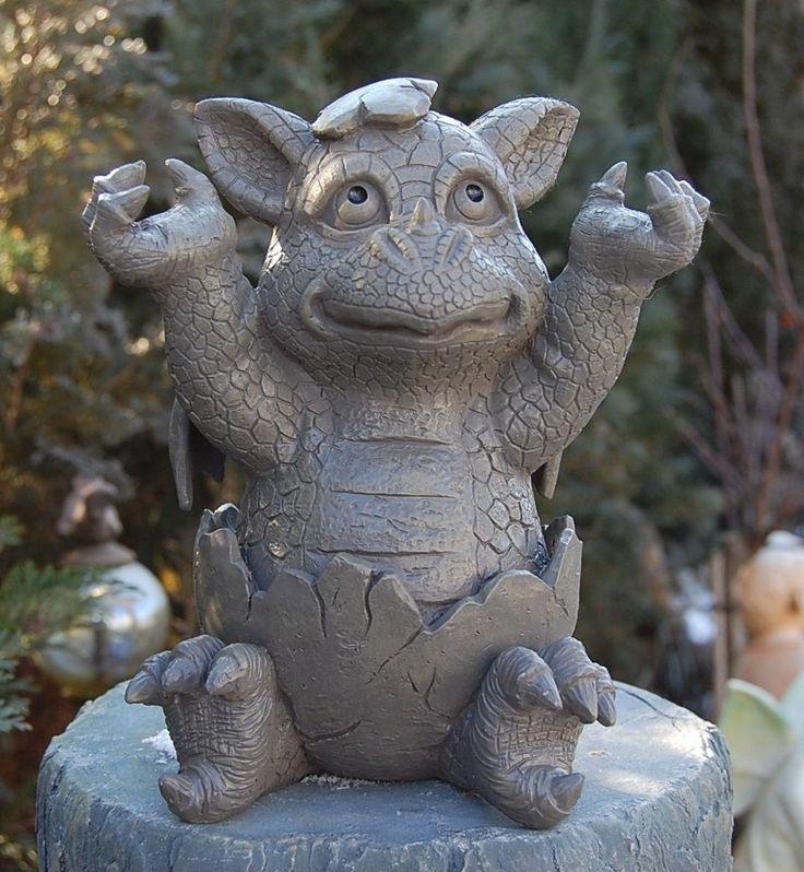 Gartenfigur Drache schlüpft aus Ei Figur Frostfest NEU   eBay