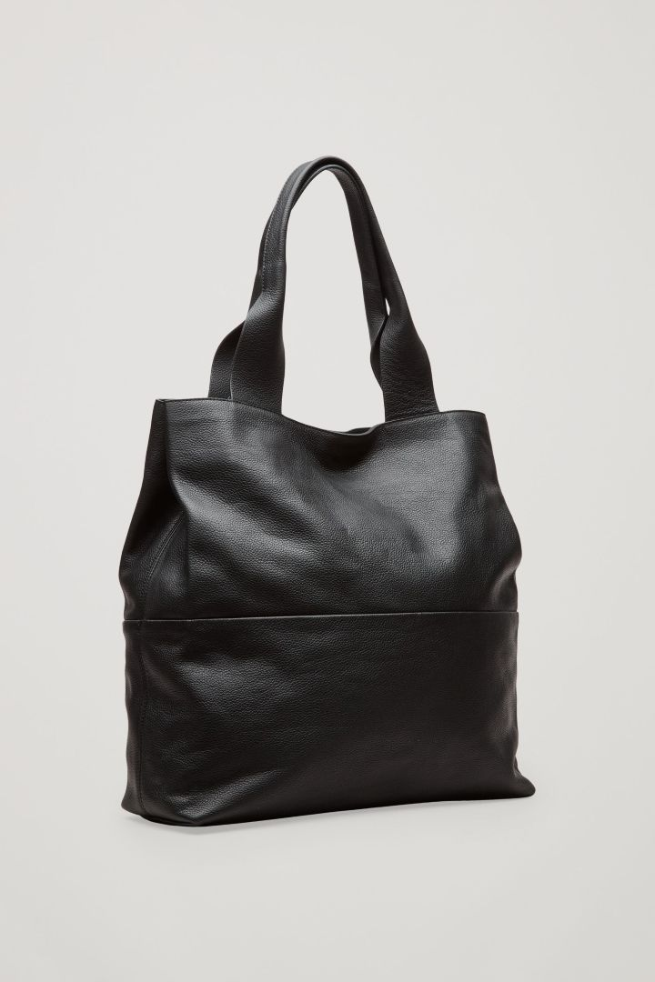COS | Large grained leather bag