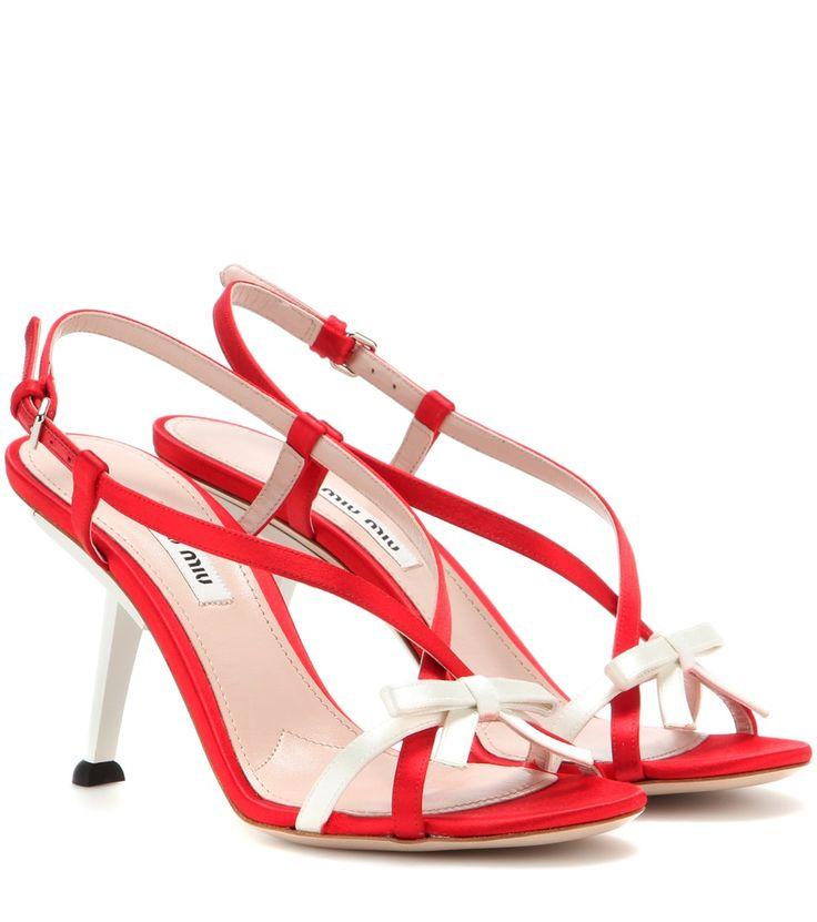 Rot-weiße Satin-Sandalen By Miu Miu