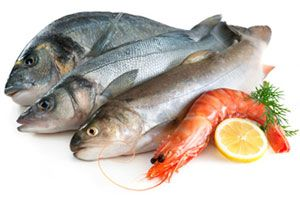 ***¿Cómo elegir pescados y mariscos?*** Debido a la delicadeza de este tipo de alimentos es importante saber en que condiciones deben estar para poder consumirlos.....SIGUE LEYENDO EN..... http://comohacerpara.com/elegir-pescados-y-mariscos_377c.html