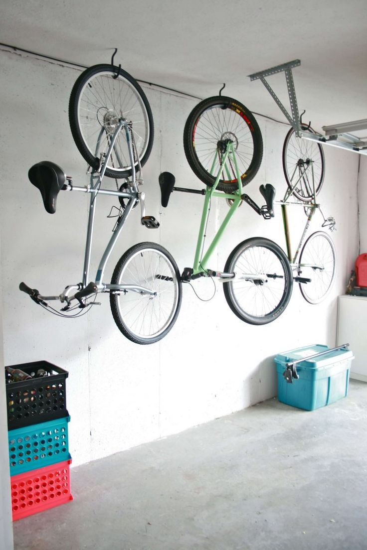 Amazing space-saving mountain bike storage ideas for small room and apartments. These indoor bike storage solutions are for pedal pushers who can't part with their bike.
