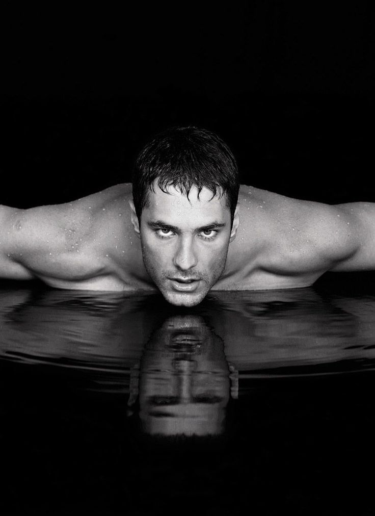 Raoul Bova. I've got a thing for Italians.