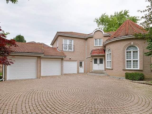 ***This Beautiful Custom Built Home Is Set In The Quiet Neighborhood Of Desirable Bayview/York Mills Area***Over 4500 Sq Ft + Professional Finished Basement W. 2 Rec Rm, 2 Bed Rm & 2 Wash Rm***Soaring 16' Ceiling In Living Rm***Circular Driving W. 3 Car Garage***Marleyroof***Beautifully Treed Private Yard***Walking Distance To Harrison Public School, Neighbor To York Mills Collegiate & Windfield Junior High***Steps To Ttc, Parks & Mins To Hwy 401***
