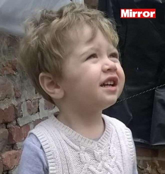 NEW YORK Shock aBloomfield, negli Usa dove un bambino di due anni è stato ucciso brutalmente da patrigno. Secondo una prima ricostruzione