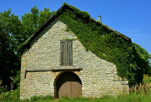 Stone barn near Dover, Native Stone Scenic Byway.