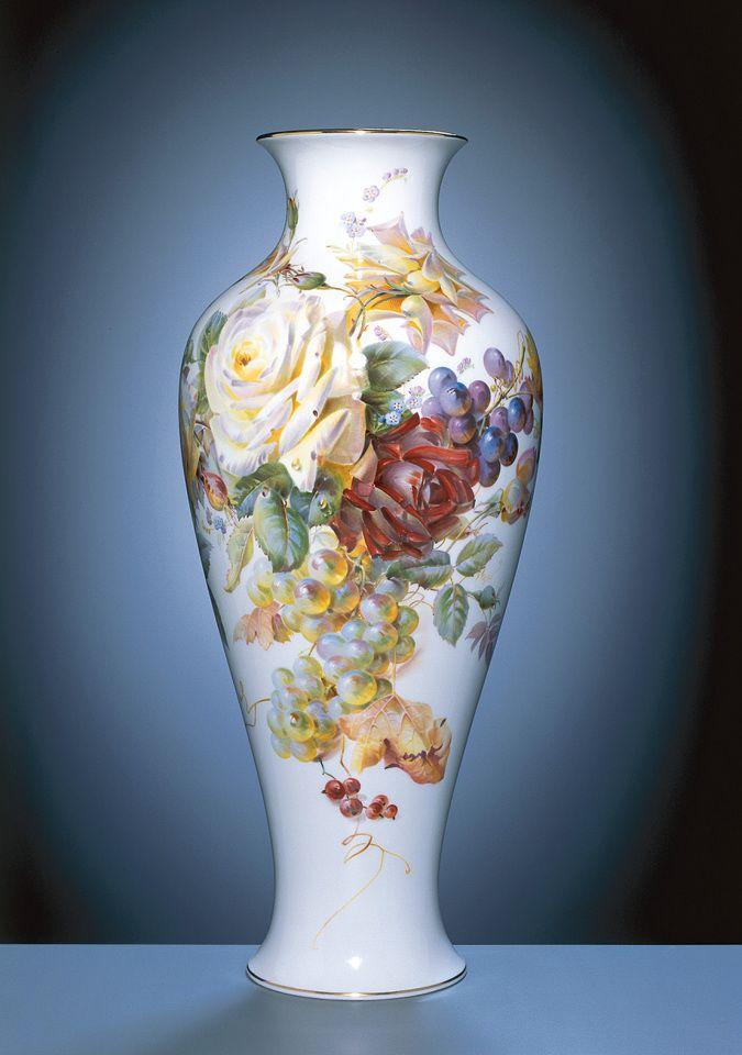 Vase, Blumen- und Fruchtmalerei, naturalistisch, ringsum, bunt, Goldrand, H 47,5 cm