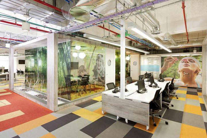 GlaxoSmithKline's office by AeI, Bogotá