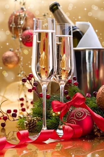 Christmas: Glamour and Traditional/karen cox