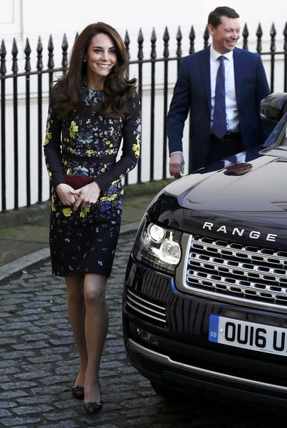 Kate Middleton Photos Photos - Catherine, Duchess Of Cambridge arrives for a briefing to announce plans for Heads Together ahead of the 2017 Virgin Money London Marathon at ICA on January 17, 2017 in London, England.  Heads Together, Charity of the Year 2017, is led by The Duke & Duchess of Cambridge and Prince Harry in partnership with leading mental health charities. - The Duke & Duchess Of Cambridge And Prince Harry Outline Plans For Heads Together Ahead Of The 2017 Virgin Money London...