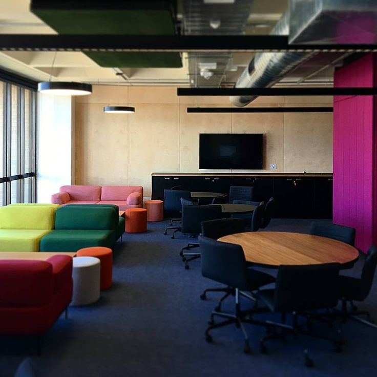"78 Likes, 1 Comments - Six Degrees Architects (@sixdegreesarchitects) on Instagram: ""@unimelb B199 level six is now complete, this level incorporates an open plan office, meeting…"""