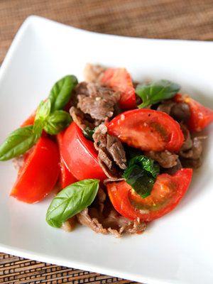 【ELLE a table】トマトと牛肉のバジル炒めレシピ|エル・オンライン