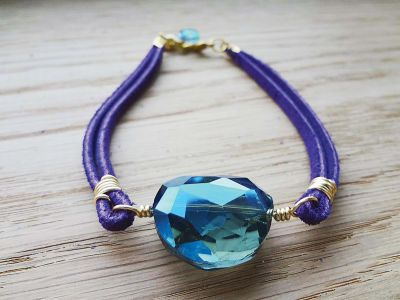 Crystal Lacing Bracelet - Get noticed with a colorful bracelet you make yourself! The soft suede lace bracelet looks great with jeans and casual attire.