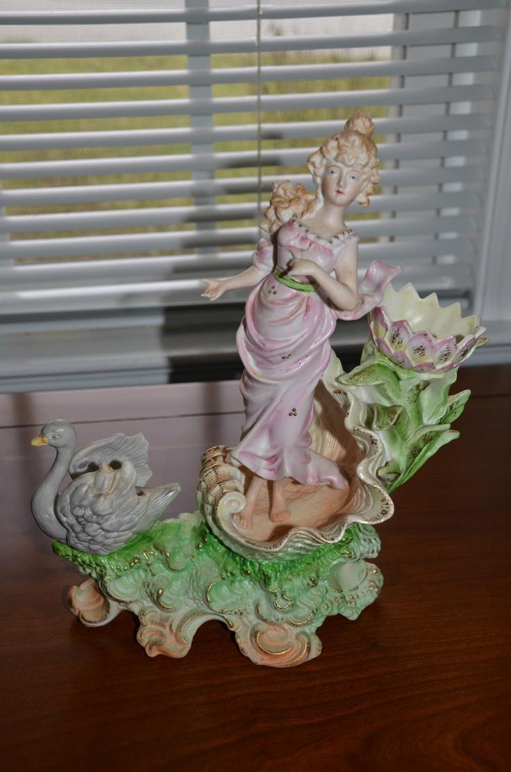 Vintage Large Porcelain Figurine Vase Lady In Seashell Flower Swan Paulux Japan Ebay Bucket