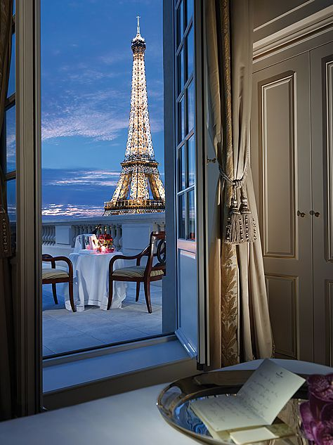 Half the rooms at the Shangri-La Paris have Eiffel Tower views, and nearly that many feature private terraces or balconies. Omg! Gorgeous!