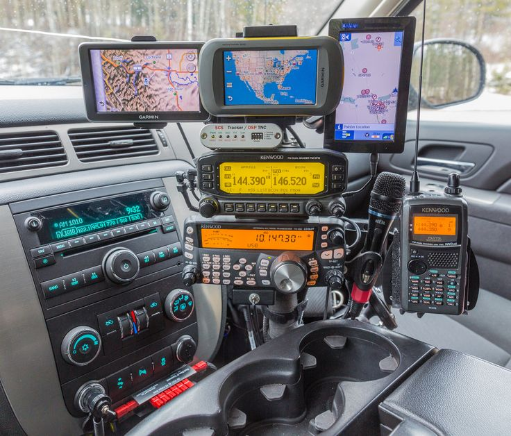 Ham Radio Stack built in to a 2012 Avalanche by VE6AB