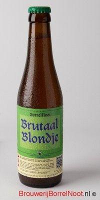 Brutaal Blondje / 'Een verfrissend blond bier dat lekker wegdrinkt, maar met 6,8% alcohol behoorlijk brutaal uit de hoek komt'  Een blondje die je van je vrouw wèl mee naar huis mag nemen!  Brutaal Blondje is een hybride van een wit en blond bier; een vermenging van het karakteristiek frisse van een witbier met de volle smaak van een blond bier. Een lekker en toegankelijk lentebier voor op het terras, maar waar ook op andere locaties en seizoenen van genoten kan worden.  Brutaal Blondje is…